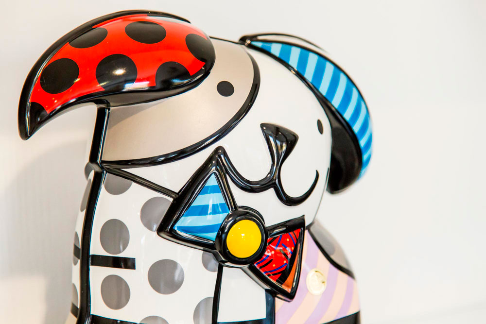 <i>Romero Britto</i><span>Figures</span>