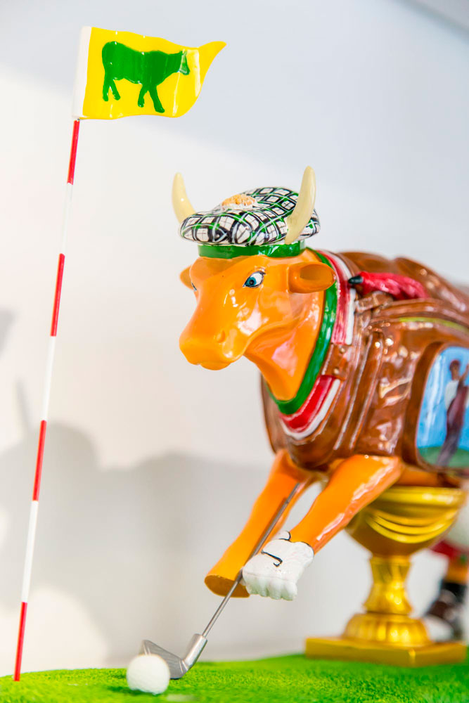 <i>Art in the City</i><span>Cows</span>